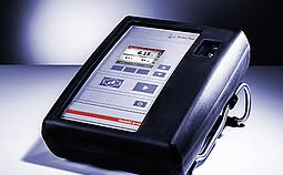 CarboQC At-line 是便携的 CO2 测量仪,可直接从生产和装瓶的工艺流水线、存储罐、小桶和木桶中测量。