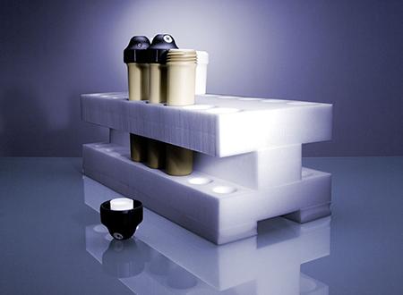 提供有不同的架子,足以存储 Multiwave PRO 的各种不同的容器类型和内管,以及 Monowave 300 的两种样品瓶。对于可应用于多模反应器中的容器,安东帕提供了架 16,这是一种聚乙烯泡沫块,可用于转子 8 和转子 16 的 16 个容器或内管。