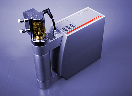 The CarboQC ME measuring module determines the true amount of dissolved carbon dioxide in beverages. In addition, the amount of other dissolved gases is identified and their influence eliminated.